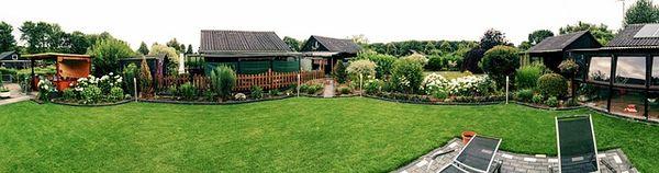 Garten mit gepflegten Rasen klappt nicht ohne den Rasen düngen
