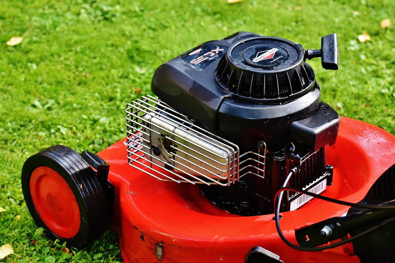 Akku, Benzin oder Elektro: Welcher Rasenmäher für welches Einsatzgebiet?